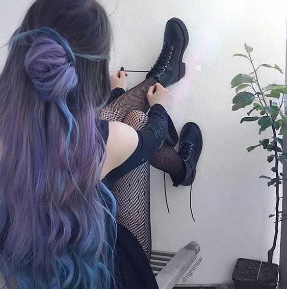 35 Different colors and blues match different effects bold blue hairstyle